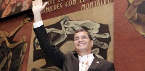 """ECUADOR: Correa asumió y aseguró que """"quedan millones de Kirchner para continuar con la Patria Grande"""""""