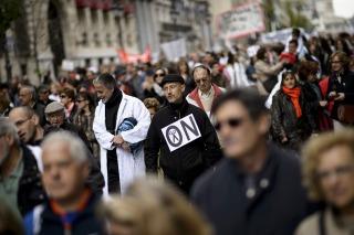 ESPAÑA: Multitudinaria marcha en Madrid contra los recortes en salud pública