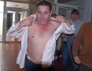 POLITICA:Escándalo en Entre Ríos gente de De Angeli a las trompadas en la asamblea del PRO