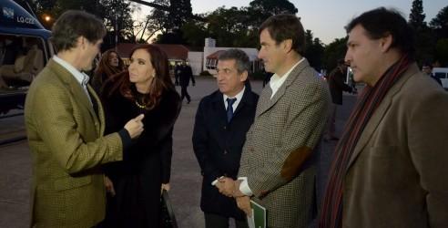 Visita de Cristina Fernández de Kirchner a la capital entrerriana: La Presidenta observó los equipos de riego, únicos en el país, fabricados en Paraná