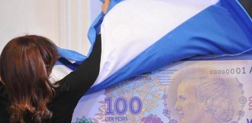 """TWITTER: El billete de Evita recibió un premio y Cristina dijo que """"habría que cobrar un impuesto por hablar al cuete"""""""
