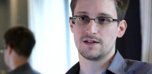 ANUNCIO DE SU ABOGADO: Snowden pidió oficialmente asilo temporal en Rusia y permanecerá en la zona de tránsito del aeropuerto