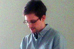 "CIBERESPIONAJE: Rusia no recibió todavía la petición de asilo del ""topo"" Snowden"