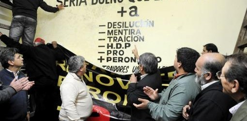 ELECCIONES 2013: Dirigentes peronistas de Buenos Aires se alejaron del massismo