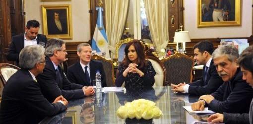 HIDROCARBUROS: YPF y Chevron firmaron un acuerdo de inversión en Vaca Muerta, Neuquén