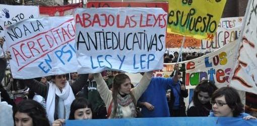 CÓRDOBA: Estudiantes reclaman a De la Sota mayor presupuesto para educación