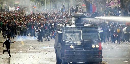 PARO NACIONAL: Masiva marcha de trabajadores chilenos con incidentes aislados