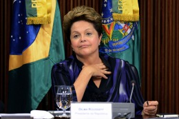 BRASIL: Dilma Rousseff pedirá al Congreso que llame a un plebiscito