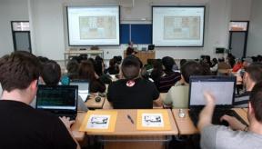 Acuerdo entre la provincia y el Bersa: Becarán a universitarios que generen proyectos que apunten al desarrollo económico provincial