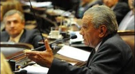 Como fue la producción legislativa de quienes dejan sus bancas: Vera entre los que menos textos propusieron en el Senado y Barrandeguy y Chemes los que más hicieron