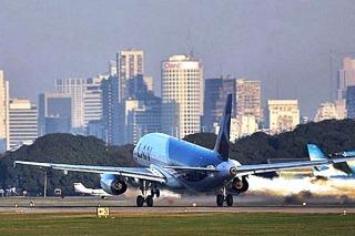 VUELOS: Transporte afirma que LAN puede seguir operando en Aeroparque