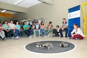 Charlas sobre robótica en escuelas secundarias: Apuntan a la divulgación científica para incrementar el recurso humano calificado en Entre Ríos
