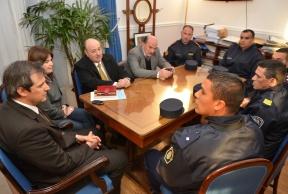 Reconocimiento al valor: El gobierno destacó la solidaridad y el coraje de los policías que actuaron en el incendio del barrio Gazzano