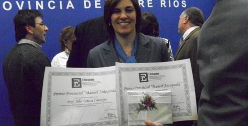 Maestro Ilustre Manuel Antequeda: El premio Maestra Destacada 2013 fue para la docente Alba Leticia Loureiro