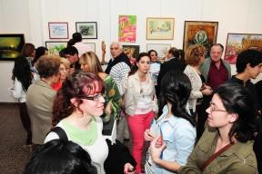 Están representadas todas las técnicas y rubros: Más de un centenar de artistas plásticos festejaron la primavera con una muestra colectiva libre en el Museo Provincial de Bellas Artes