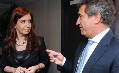 A partir del lunes el dedo del Pato de un metro pasará a medir cuatro : Se confirma que Sergio Urribarri asume la jefatura de gabinete y José Cáceres la gobernación provincial