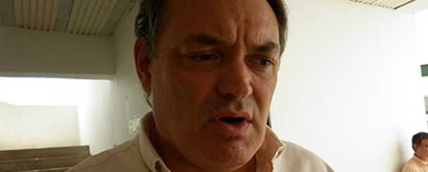 """Ironías sobre """"el sueño entrerriano"""": García respondió a Benedetti recordando a De La Rúa en helicóptero"""