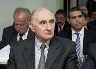 SOBORNOS: De la Rúa se descompensó durante el juicio oral por las coimas en el Senado