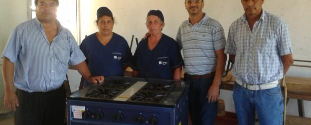 Gestión conjunta: Entrega de cocinas a escuelas del departamento Federal
