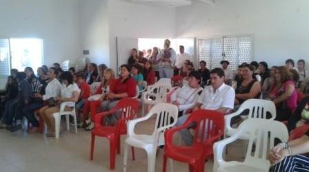 """Programa """"Mas cerca"""": Funcionarios del IAPV entregaron 20 viviendas en Sauce de Luna"""
