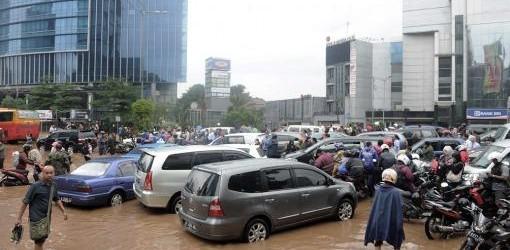 YAKARTA: Diez muertos y miles de evacuados en Indonesia por las inundaciones