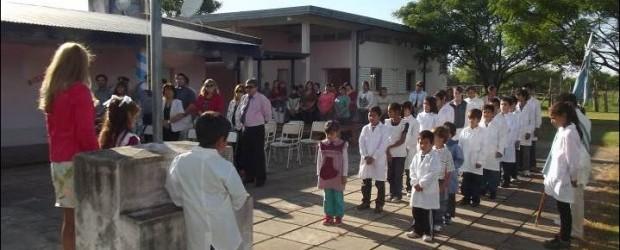 EN LA ESCUELA 13 PATRICIAS ARGENTINAS DE CARPINCHORÍ : Habilitaron oficialmente el ciclo lectivo 2014 en el Departamento Federal
