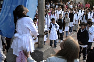 BUENOS AIRES: Tras 17 días sin clases, más de tres millones de chicos vuelven a las aulas