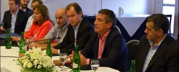 REUNIÓN CON LA LIGA DEL PJ: Urribarri pidió a los intendentes más apoyo a su campaña presidencial