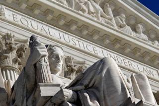 """FONDOS BUITRE: Para el Financial Times, el fallo de Griesa es """"una extorsión respaldada por el poder judicial"""""""