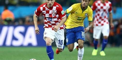 Grupo A: Brasil liquidó a Croacia entre polémicas