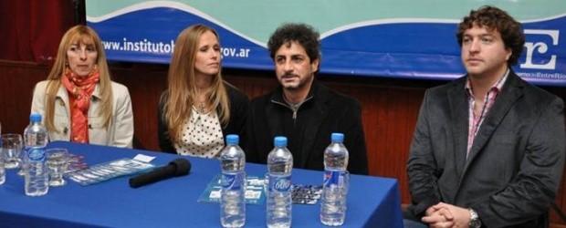 FEDERAL: El Instituto Becario hizo entrega de becas en Federal