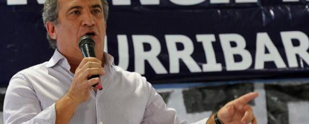 Sigue de recorrida: Urribarri lleva nuevamente su campaña al conurbano bonaerense