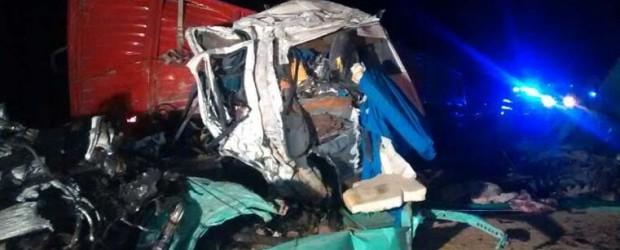 Grave accidente: chocaron dos camiones en la ruta 6 y murieron ambos conductores
