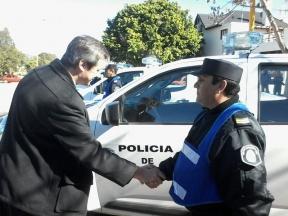 Bahl y Massuh encabezaron el acto de entrega: La Policía Departamental Federación recibió cuatro móviles nuevos y una lancha