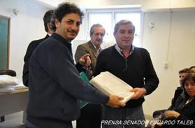 EL SENADOR EDUARDO TALEB: Realizo entrega de 1756 sabanas del programa nacional Tesón para los hospitales del Departamento Federal