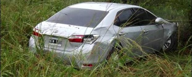 ACCIDENTE: Despisto el automóvil en el que viajaban Jorge Lacoste y su esposa