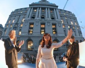 Acompañó a la Presidenta en la inauguración del Centro Cultural Kirchner: Urribarri destacó la revalorización de la cultura en el gobierno de Néstor y Cristina