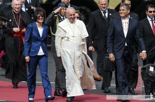 TÉLAM EN ECUADOR: El papa Francisco llegó a Ecuador en el inicio de su gira por Sudamérica