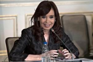 EN SU PÁGINA WEB: Cristina criticó el doble estándar de la prensa en el tema Irán