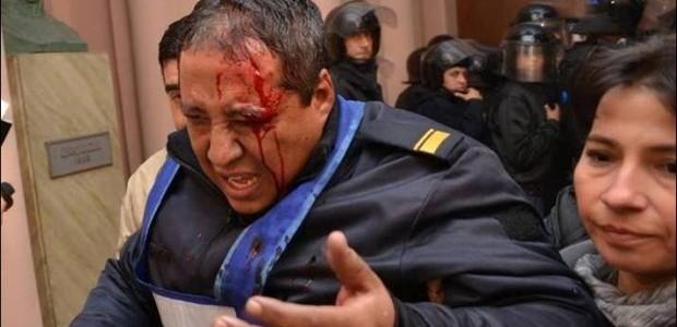 Resultado de imagen para fotos de policias agredidos de entre rios