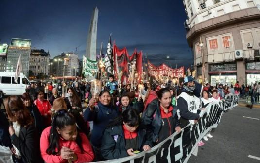 El acampe de Plaza de Mayo obligó a Macri a cambiar su agenda