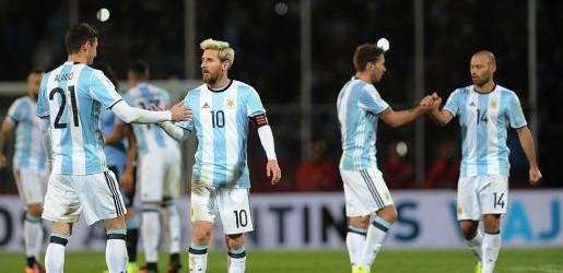 Eliminatorias sudamericanas:  Con la firma de Messi, la Selección le ganó a Uruguay y lidera las Eliminatorias