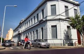 Desde el CGE se garantizó el normal dictado de clases: Retoman las obras en la Escuela Rivadavia