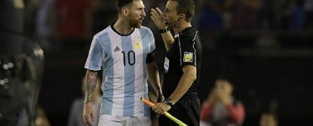 ELIMINATORIAS SUDAMERICANAS:  La furia de Lionel Messi contra el juez de línea ante Chile
