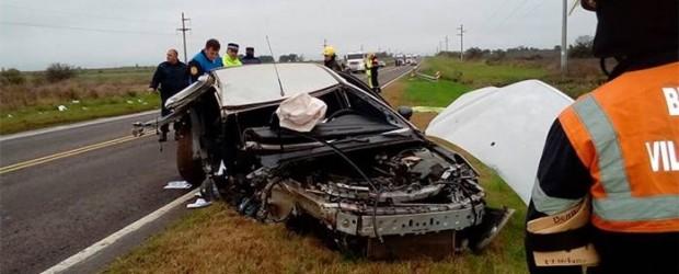 Zona Villaguay: Auto despistó y chocó contra la baranda de un puente: Una joven murió