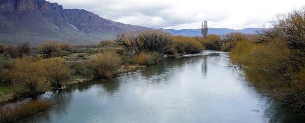 Hallaron un cuerpo en el río Chubut donde buscaban a Santiago Maldonado