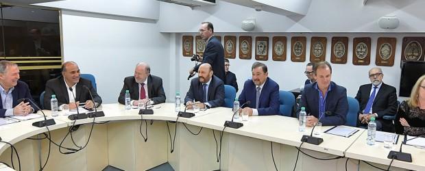 Gobernadores acuerdan una postura por los fondos para las provincias antes de reunirse con Macri