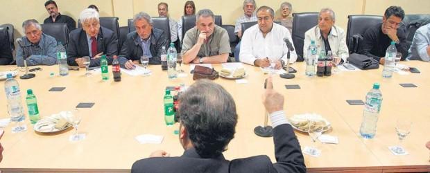 Una reunión para abrir las negociaciones: Encuentro entre la conducción de la CGT y el ministro Triaca tras el anuncio de la reforma laboral