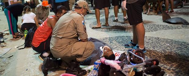Tragedia en Copacabana: Auto fuera de control mató a bebé en Río de Janeiro y hay 17 heridos