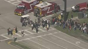 Especiales  EEUU Tiroteo en una escuela en Florida: hay al menos 20 heridos
